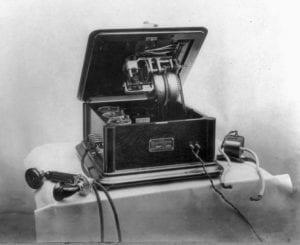 История первого синтезатора